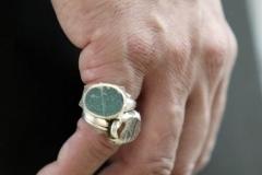 Hz-Mirza-Masrur-Ahmedin-yüzüğü