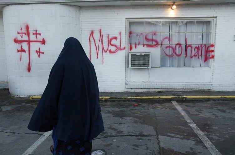 Müslümanlar İçin Cemaatimizin Yaptığı Fedakarlıklar