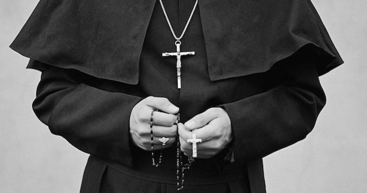 Hıristiyan Papaz A. Atham İle Mübahasesi
