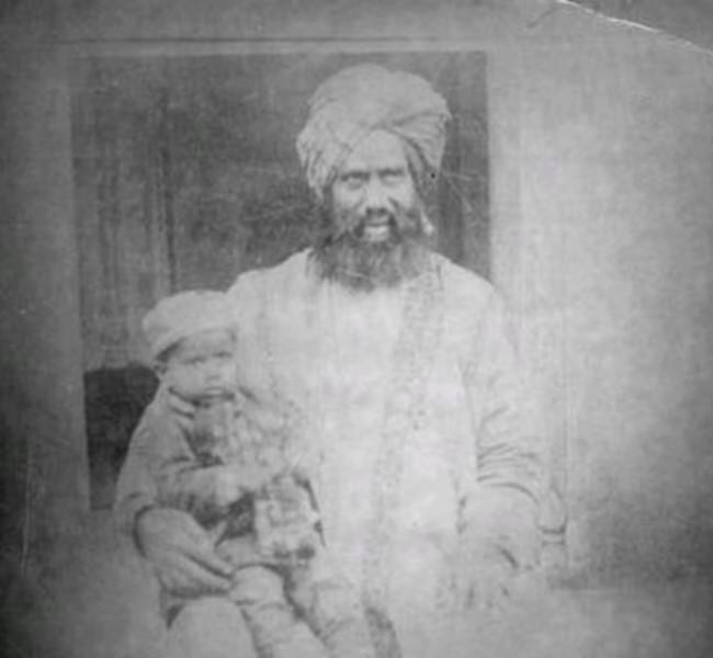 Vadedilen Mesih'in I. Halifesi Hacı Hekim Mevlâna Nuruddin Hazretleri