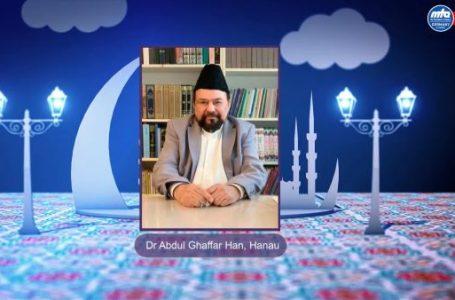 Mirza Gulam Ahmed bey Mehdi olduğunu ilan etmiş, buna nasıl inanalım? Yanlış yapmaktan korkuyoruz.